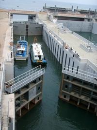 Seeschleuse mit 4 Doppeltoren